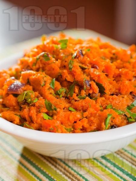Пюре от моркови и червен лук (гарнитура за пържоли и риба) - снимка на рецептата